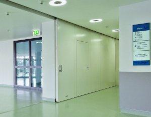 korytarz w budynku 1
